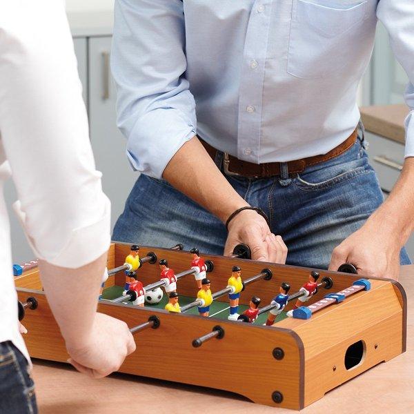 Tischfußballspiel aus Holz